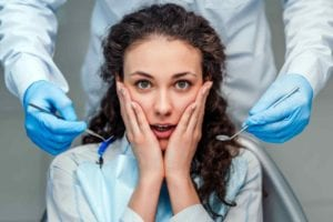 Oral-Surgery-anxiety-768x512