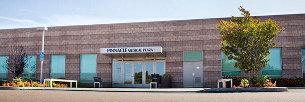 Outdoor View of Pinnacle Medical Plaza